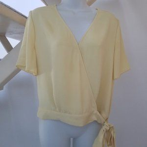 Dynamite Butter Yellow Side Tie Wrap Top M